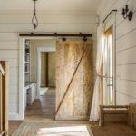 декоративная деревянная дверь