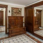 мебель под старину в прихожей