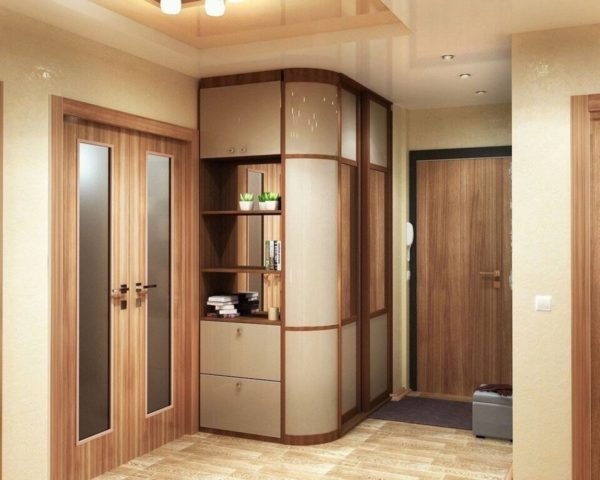 интересное решение шкафа в коридоре