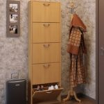 деревянная мебель в прихожей