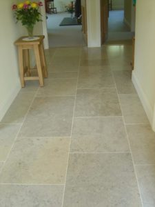 плитка из керамики в коридоре