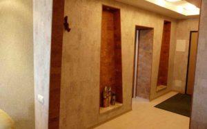 пробковая отделка в коридоре