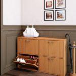 узкая деревянная обувница в коридор
