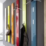 Цветная настенная вешалка в коридор