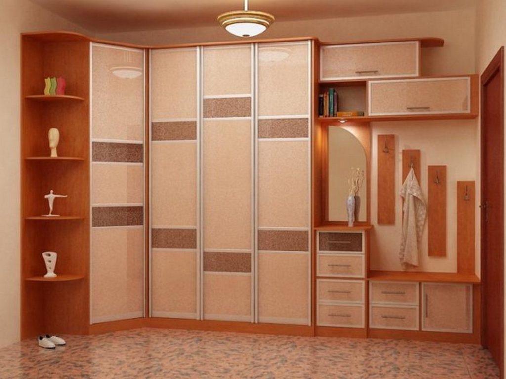 Комплекс встроенной мебели для прихожей.