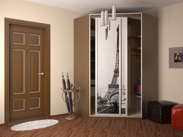 прихожая с изображением эйфелевой башни