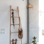 Вешалка в виде лестницы