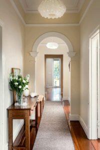 арки в интерьере коридора