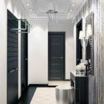 черные двери в коридоре