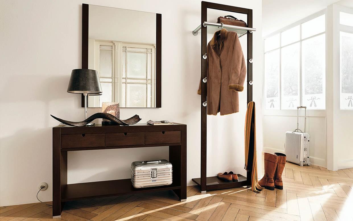 деревянная вешалка в прихожей современный стиль