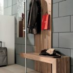 деревянная вешалка в стиле хайтек