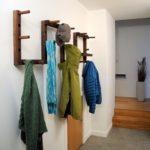 дизайнерская деревянная вешалка