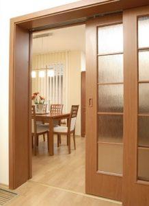 фото раздвижных дверей в прихожей