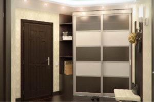 фото встроенного шкафа-купе в коридоре