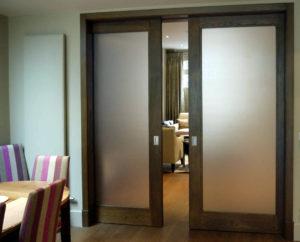кассетная дверь в коридоре
