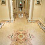 красивая керамическая плитка в коридоре