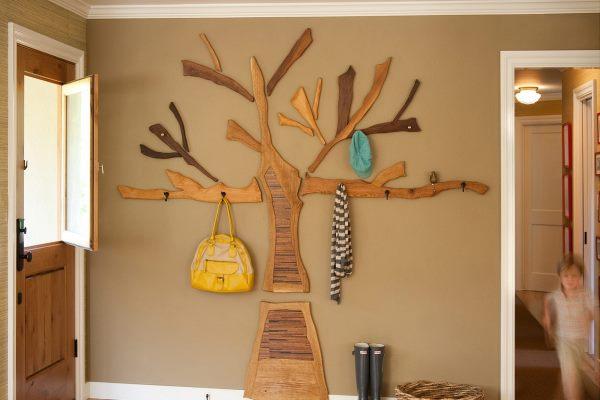 фото настенная вешалка с дерева
