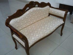 стильный диван в прихожую