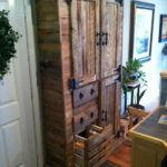 Деревянный шкаф своими руками в прихожую.