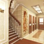 коридор с лестницей в спокойных тонах