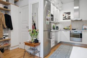 кухня-коридор дизайнерское решение