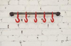 настенные крючки в стиле лофт
