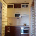 небольшая кухня-коридор