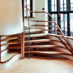 неординарная деревянная лестница
