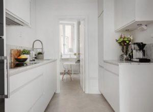 расстановка в кухне-коридоре