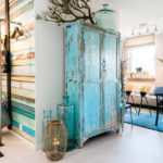 Бирюзовый шкаф, прихожая в стиле лофт
