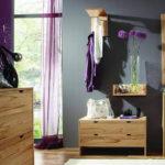 Фиолетово серий интерьер прихожей