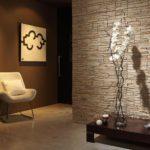искусственный камень в оформлении комнаты