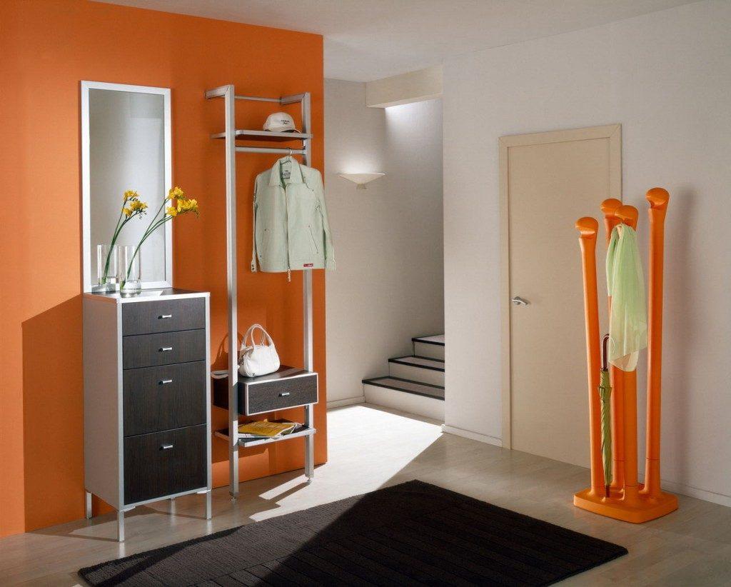 Прихожая в оранжевом стиле