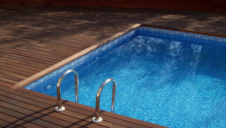 панели пвх в бассейне