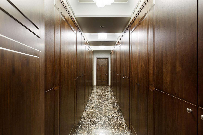 стиль лофт в коридоре