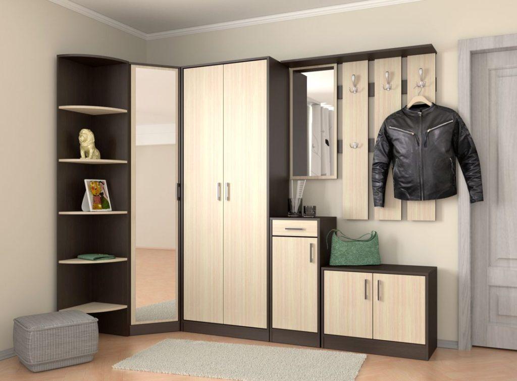 Деревянный шкаф-вешалка для прихожей.