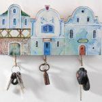 маленькие домики ключница на стене