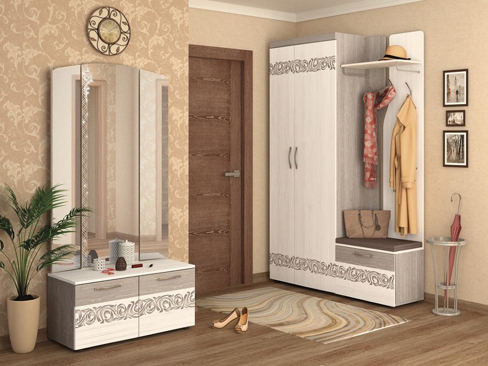 Небольшой шкаф-вешалка для прихожей.