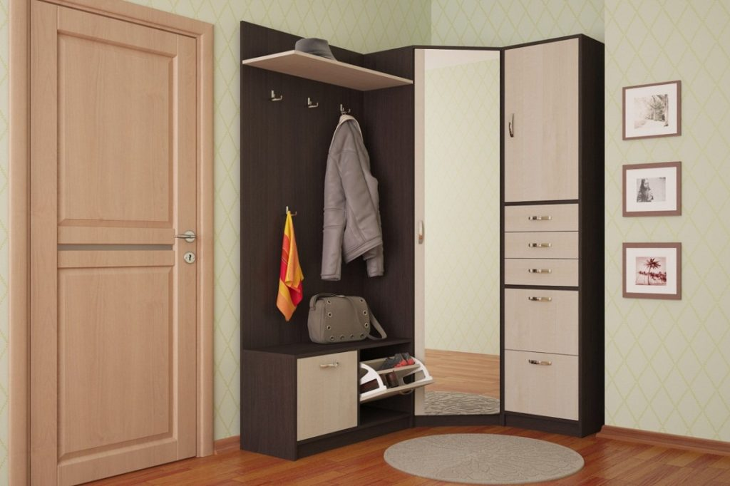 Угловой узкий шкаф в прихожую.