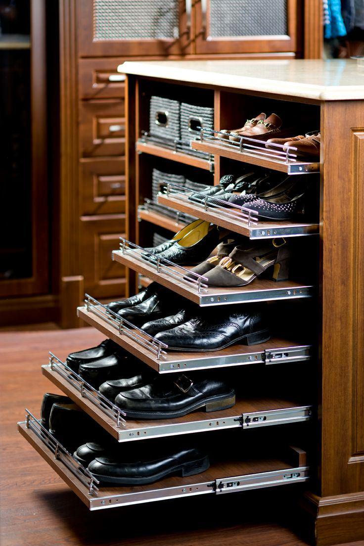 Выдвежные полки для обуви в прихожей