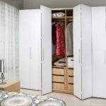 Белый шкаф-гармошка