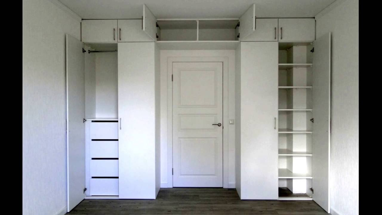 Белый шкаф перегородка с распашной дверью