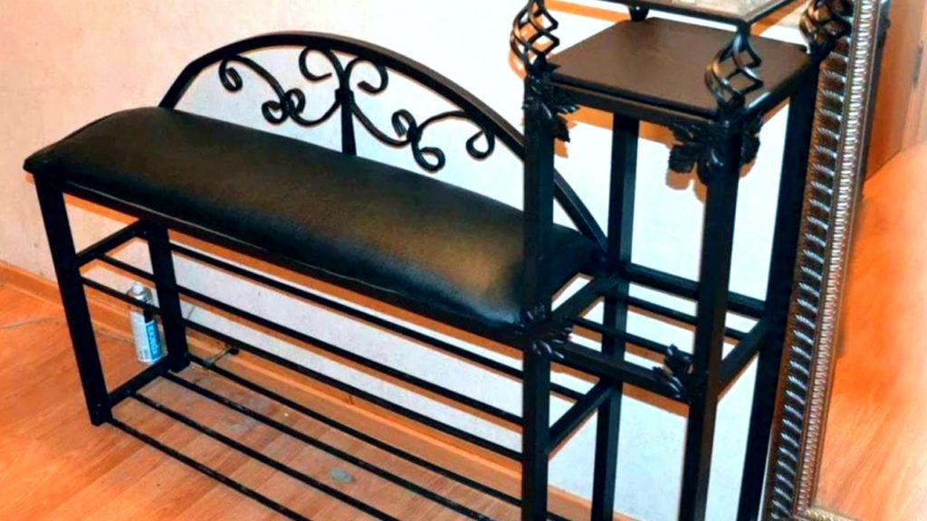 кованная обувница с сиденьем