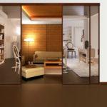 перегородка с зеркальными дверцами