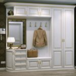 белый шкаф в современной прихожей