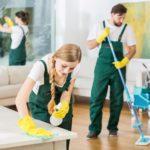 работники для уборки в прихожей