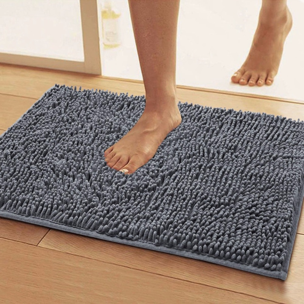 Серый коврик в коридоре