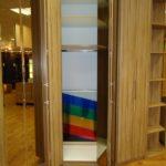 шкаф-гармошка в коридоре