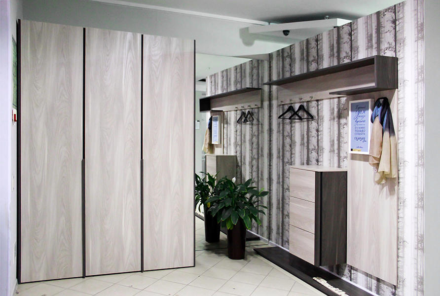 расширение пространства с помощью шкафа-купе
