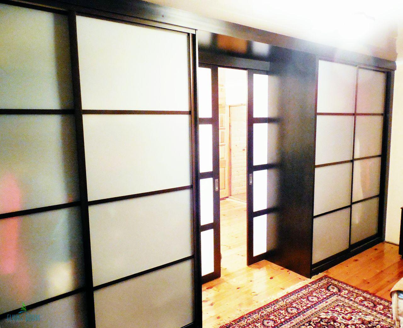 Шкаф перегородка с раздвижной дверью